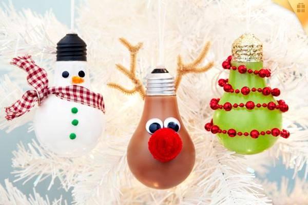 Light-Bulb-Christmas-Ornaments