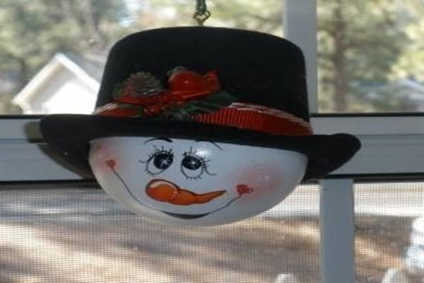 lightbulb_snowman_s1