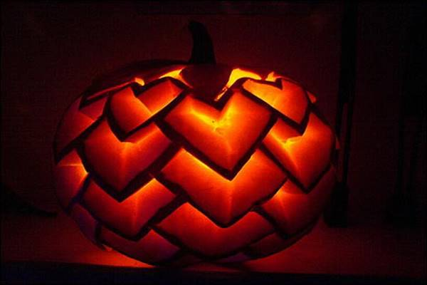 light-up-your-halloween-celebration-with-creative-pumpkin-carving_56