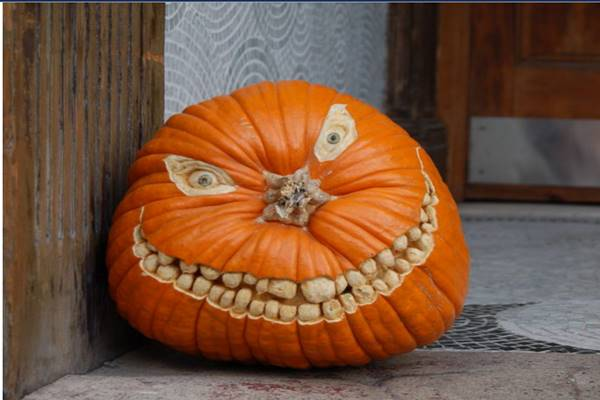 creative-pumpkin-carving-ideas-pictures-700x533