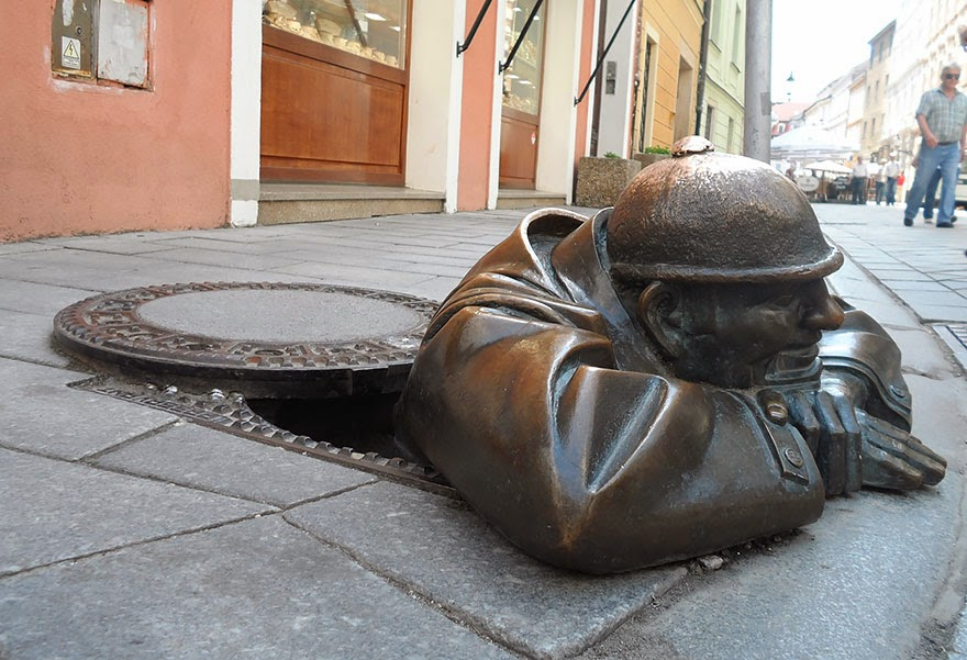 25 Of The Most Creative Sculptures And Statues From Around The World (17)