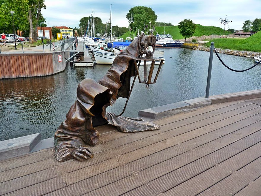 25 Of The Most Creative Sculptures And Statues From Around The World (5)