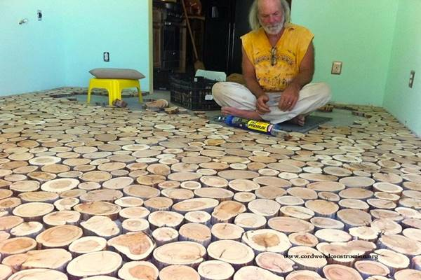 They Used Wooden Discs To Give Their Old Floor An Incredible Makeover. Wow! (3)