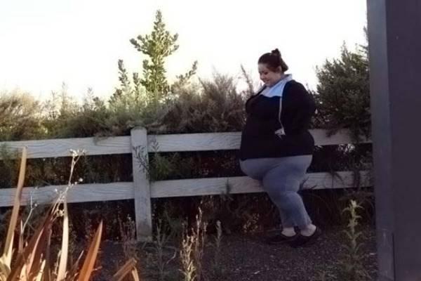 Látod ezt a kövérke lányt? Olyan jó pasija van, ami Neked sosem lesz!