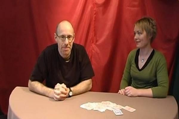 A kártyatrükk, ami megmutatja, hogy ver át a média! Vajon észreveszed?