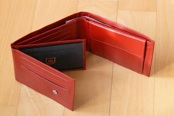Tévhitek a Feng Shui, és a pénzmágnes Női pénztárca színekről