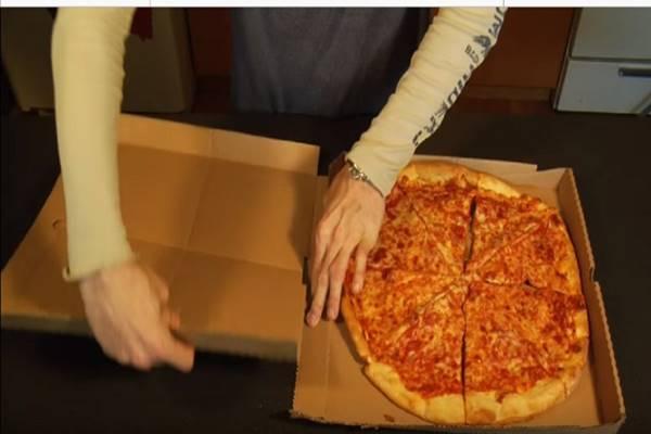 Mióta megláttam ezt a trükköt, már nem dobom ki a pizzás dobozt! Zseniális!