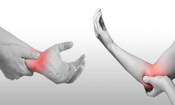 csukló fájdalom egy régi sérülés után súlyos fájdalom a boka duzzanatában