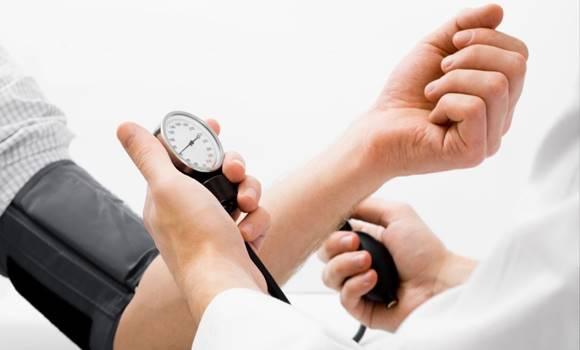 hogyan lehet leküzdeni a magas vérnyomást gyógyszerek nélkül vízbevitel magas vérnyomás esetén
