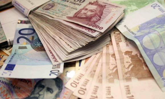 A Kos hirtelen sok bevételhez jut, a Bika alkalmazottból vállalkozó lesz, a Mérleg új kapcsolatait válthatja pénzre