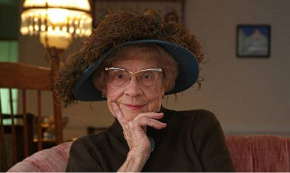 """Egy nagymama legsúlyosabb tanácsa: """"Óvakodj a szenvedélyes férfiaktól, mert csak baj hoznak rád"""""""