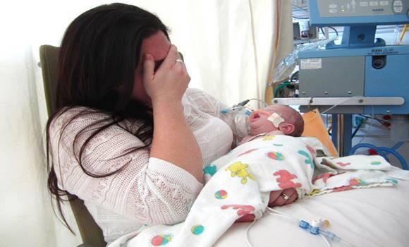 19 nappal a születése után meghalt a kisfiú, mert az anyja valamit rosszul csinált